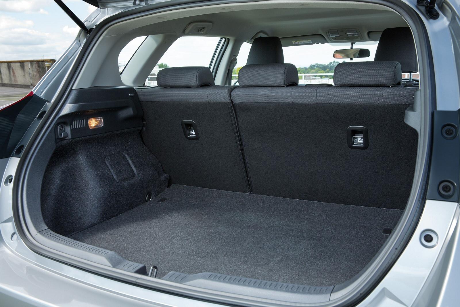 New Toyota Auris 1 8 Hybrid Icon Tss 5dr Cvt Hybrid