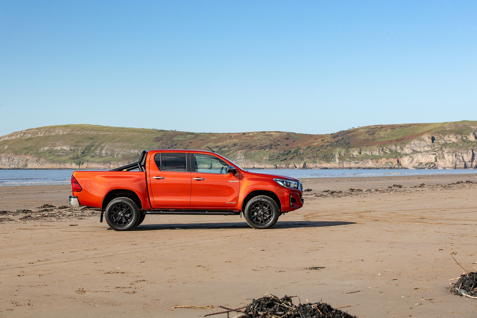 New Toyota Hilux Diesel Active Extra Cab Pick Up 24 D 4d For Sale Used Cars With Prices Bristol Street