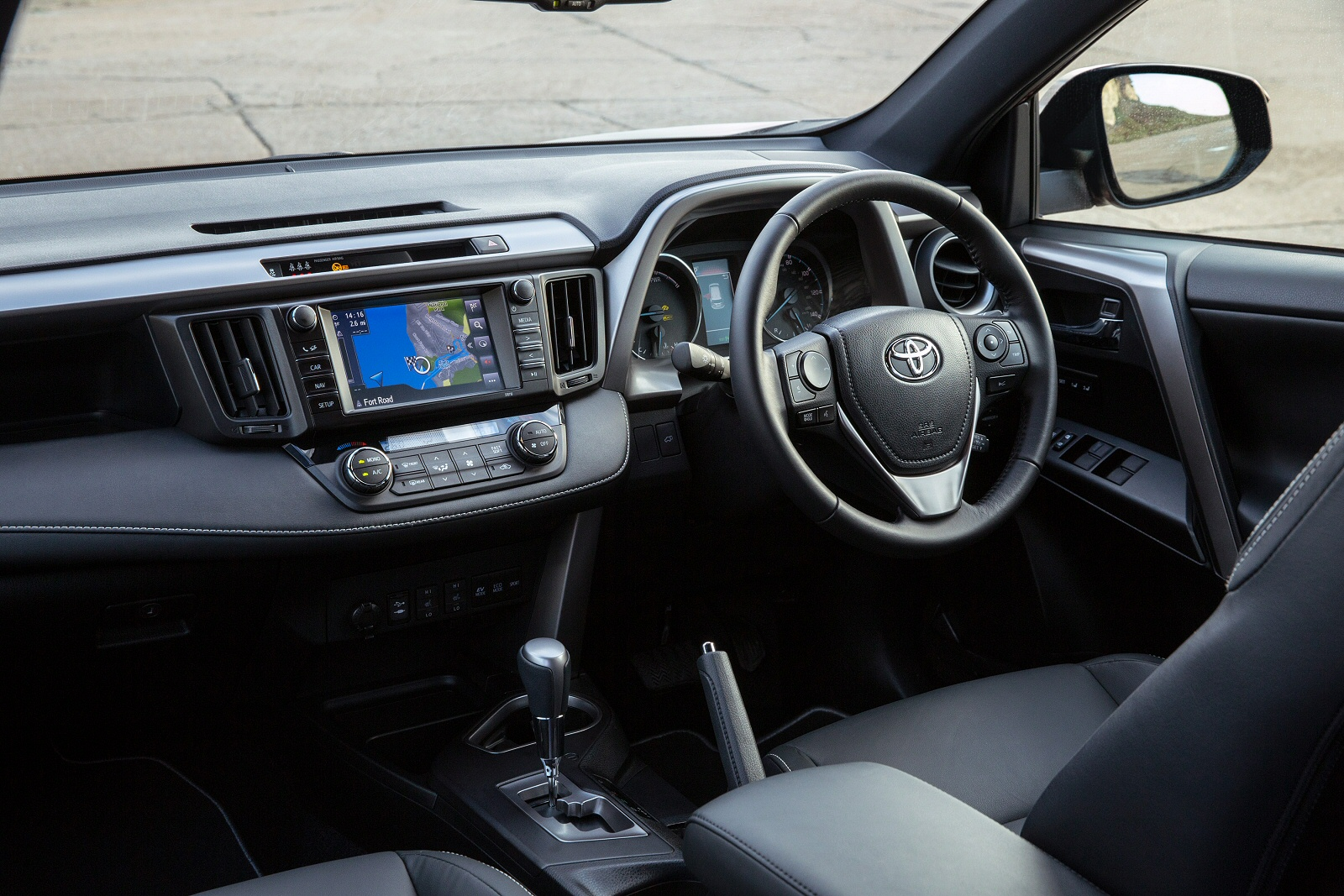 new toyota rav4 2 5 vvt i hybrid icon tech tss 5dr cvt 2wd hybrid estate for sale bristol street. Black Bedroom Furniture Sets. Home Design Ideas