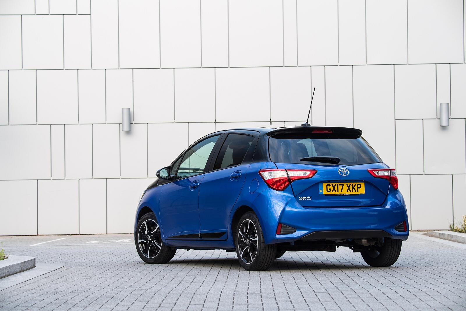 Buy  Toyota Yaris Blue Paint