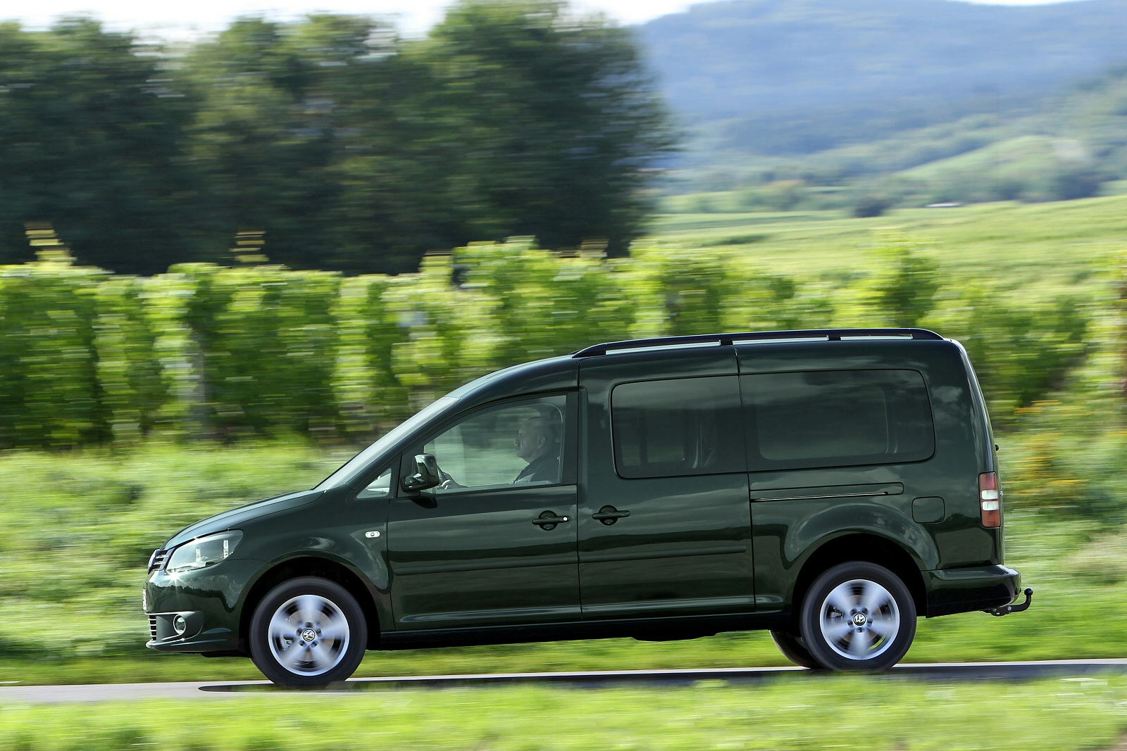 new volkswagen caddy life 2 0 tdi bluemotion 5dr diesel. Black Bedroom Furniture Sets. Home Design Ideas