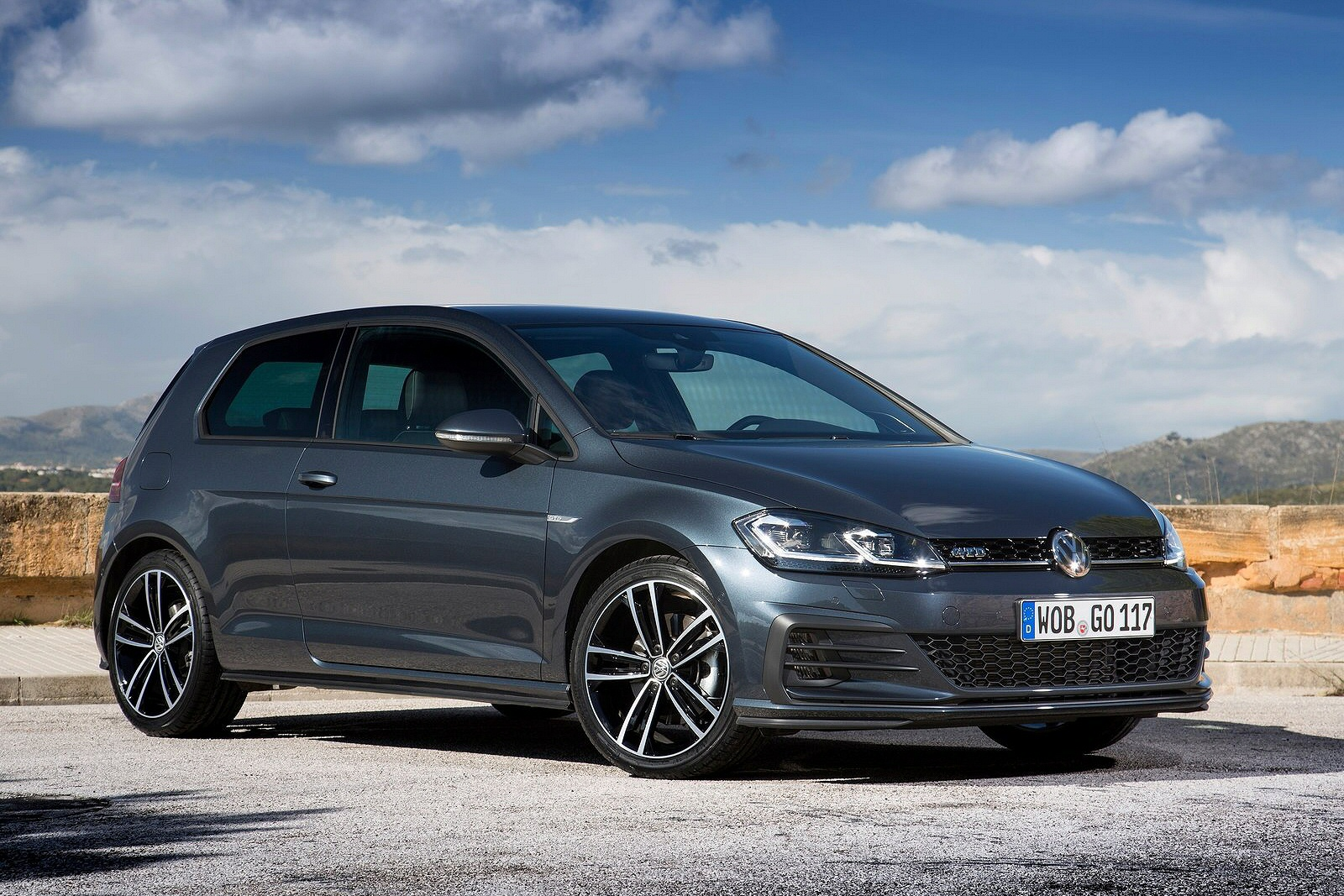 new volkswagen golf 2 0 tdi 184 gtd 5dr diesel hatchback. Black Bedroom Furniture Sets. Home Design Ideas