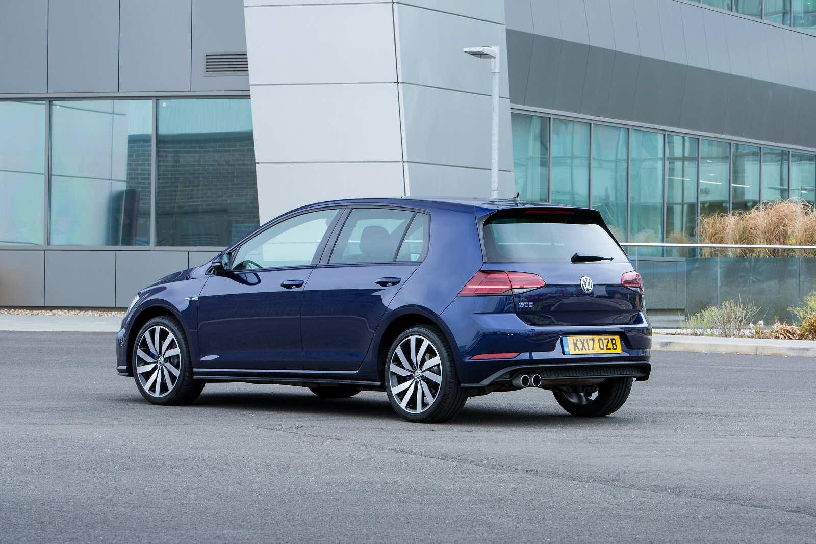 new volkswagen golf 1 4 tsi gte 5dr dsg hatchback for sale south hereford garages. Black Bedroom Furniture Sets. Home Design Ideas