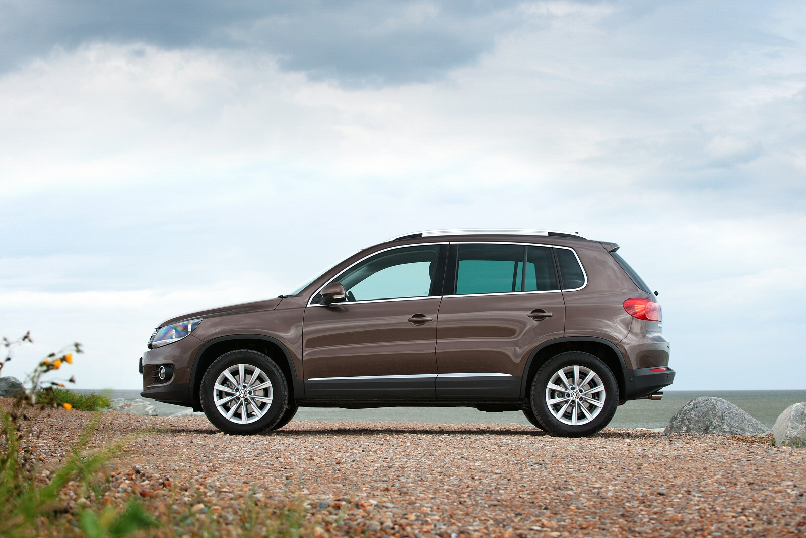 how to use vw tiguan cruise control