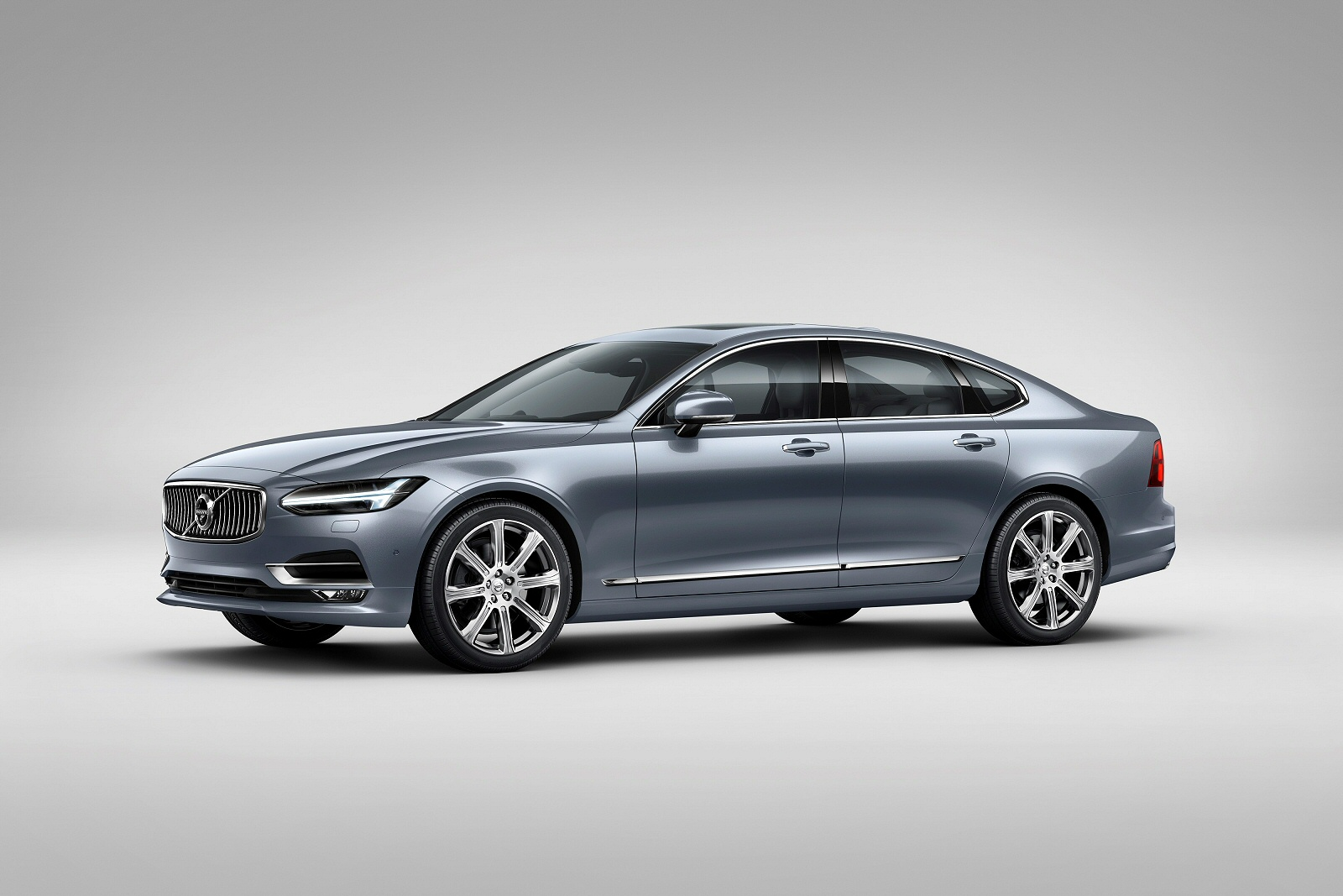 New Volvo S90 2.0 D4 R Design 4Dr Geartronic Diesel Saloon for Sale | Bristol Street