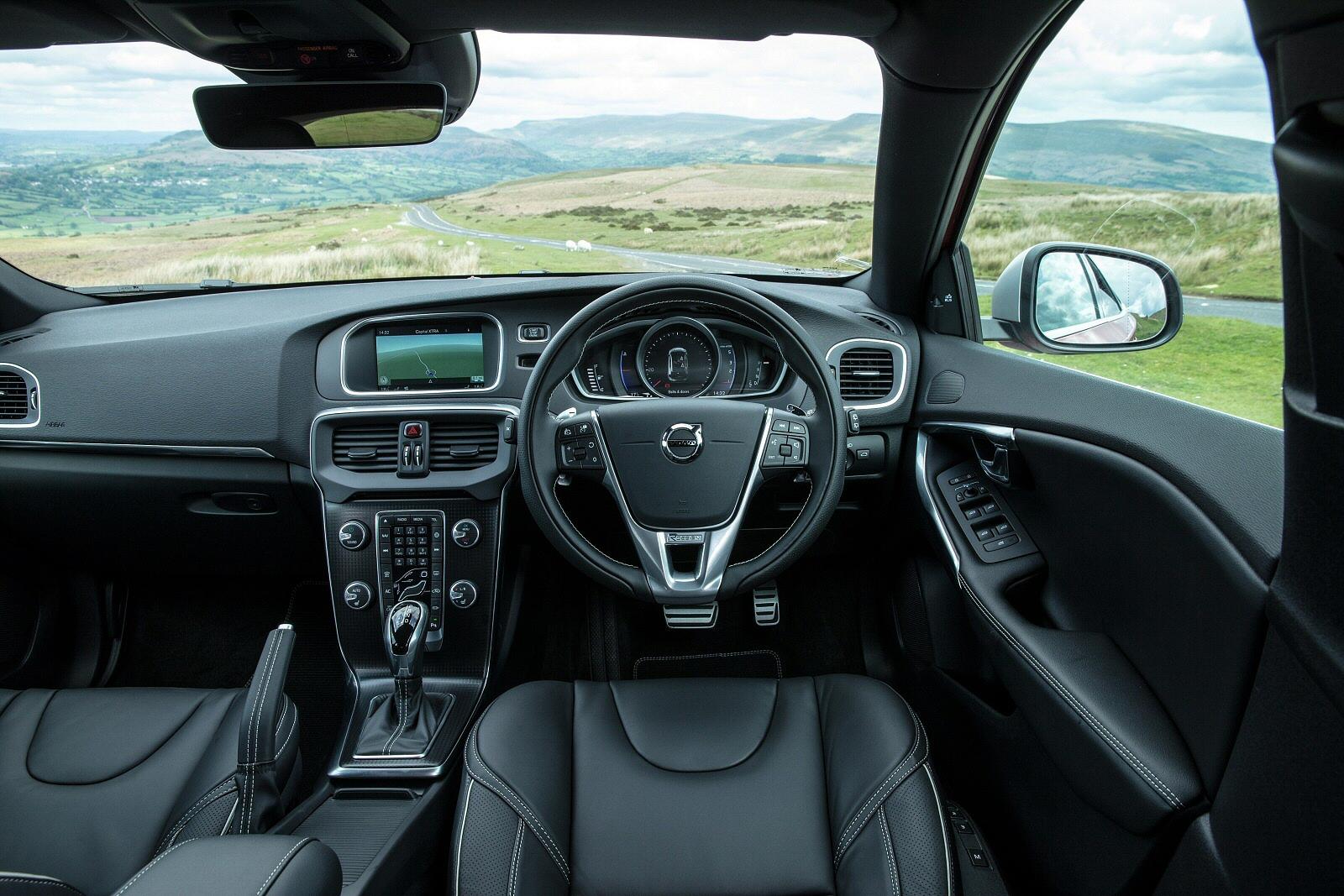 New Volvo V40 D2 120 Momentum 5dr Diesel Hatchback For Sale Bristol Street
