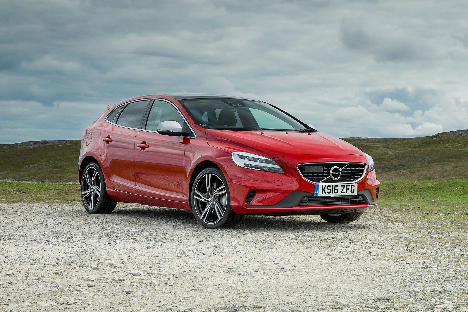 New Volvo V40 D3 [4 Cyl 150] Cross Country Pro 5Dr Geartronic Diesel Hatchback for Sale ...