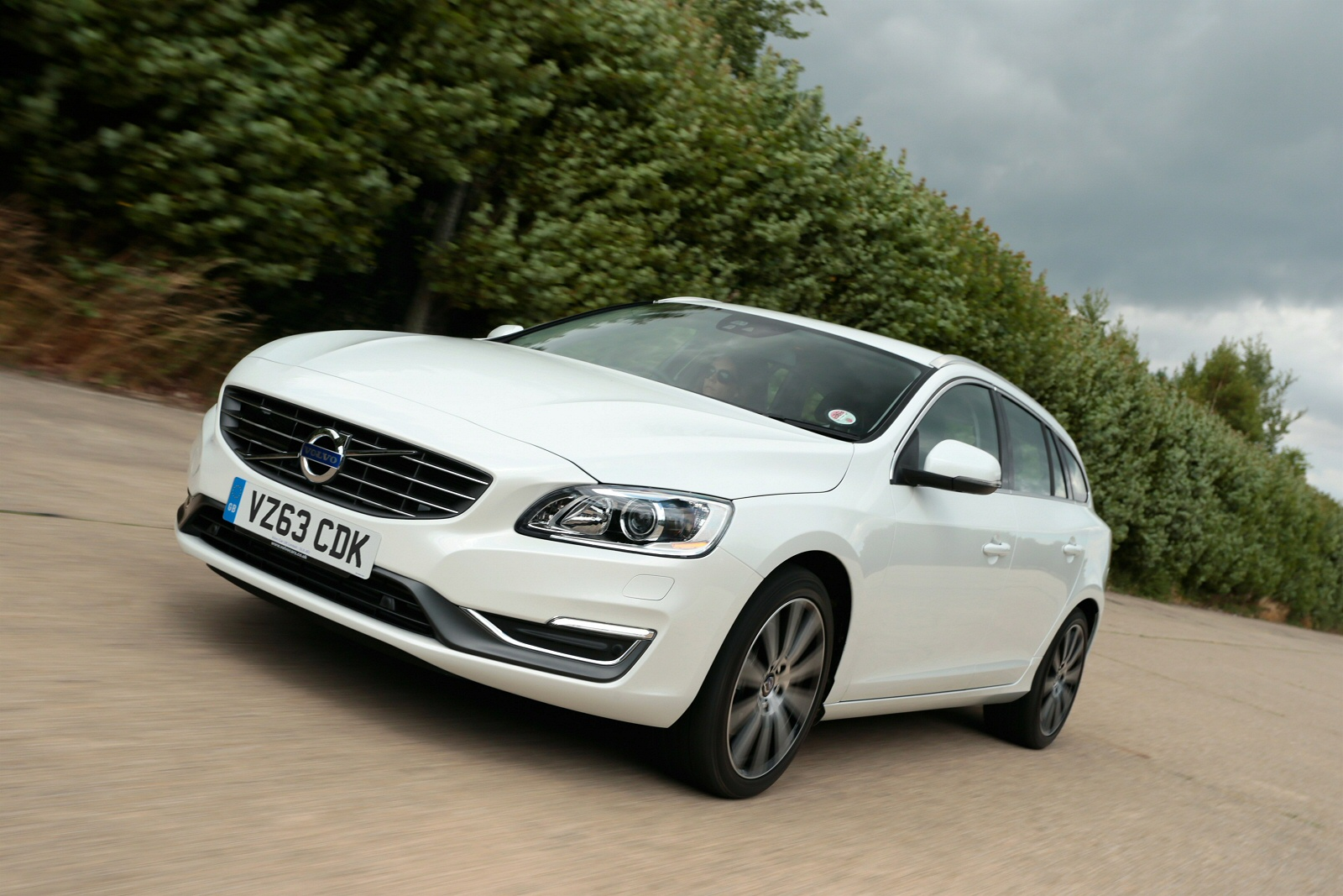 new volvo v60 d4 190 business edition 5dr diesel estate for sale bristol street. Black Bedroom Furniture Sets. Home Design Ideas