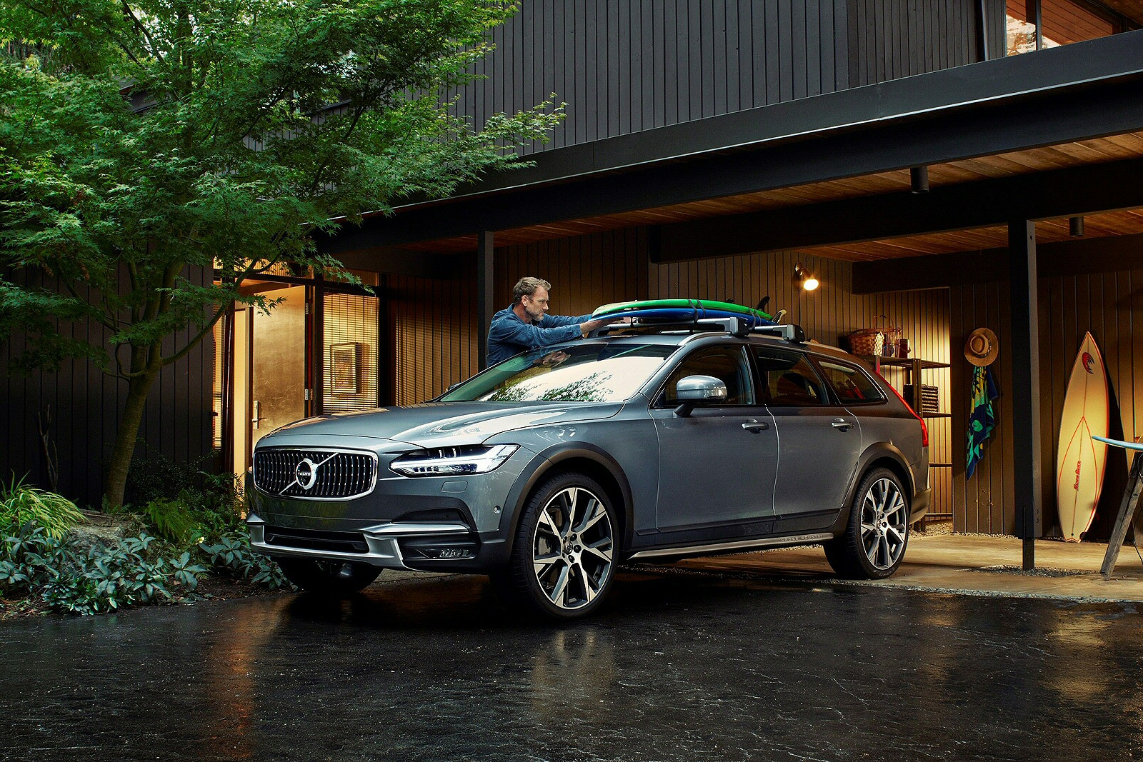 New Volvo V90 T6 310 Cross Country Pro 5dr Awd