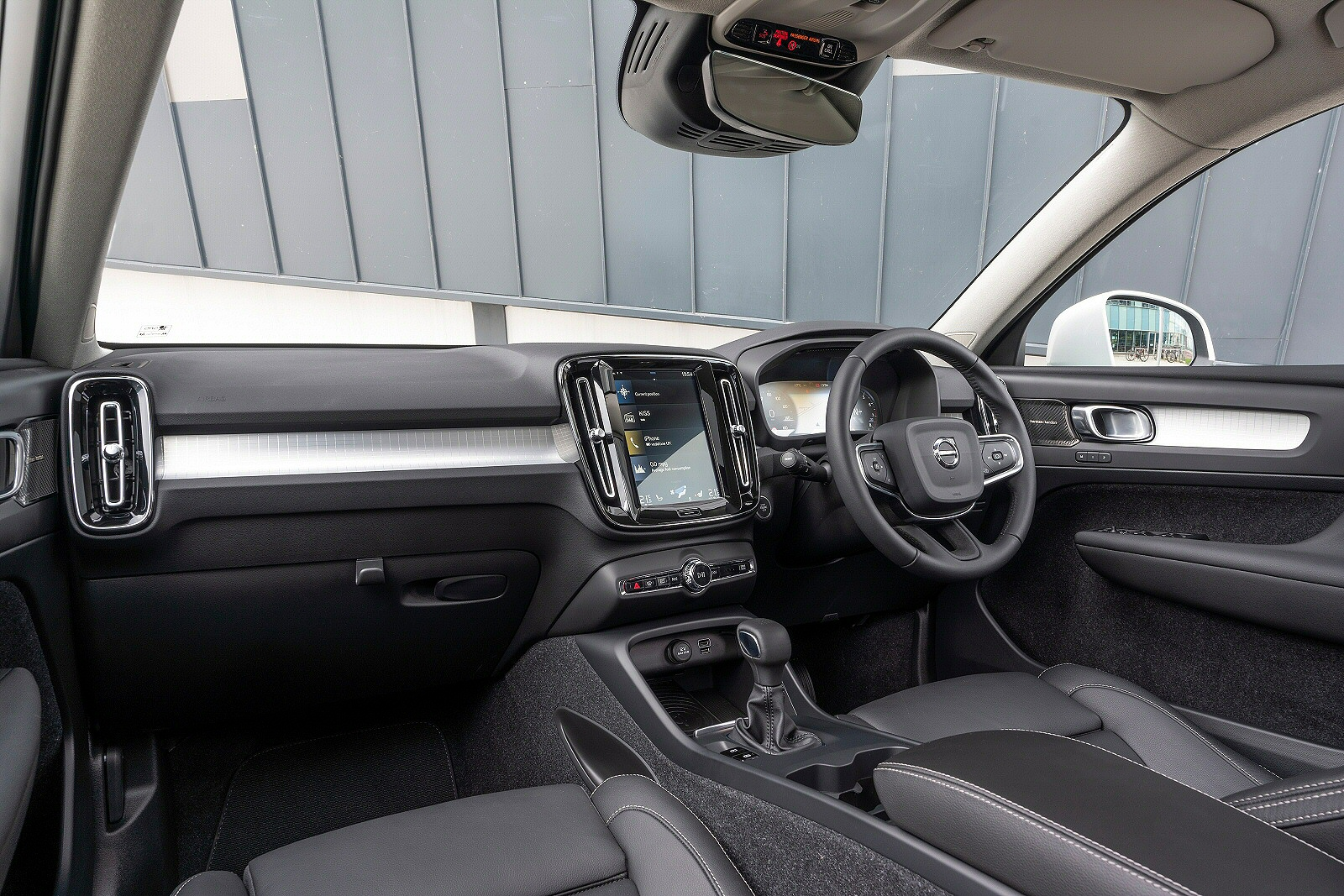 New Volvo Xc40 2 0 T5 Inscription Pro 5dr Awd Geartronic Petrol