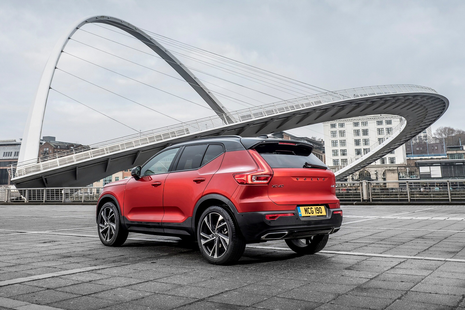 New Volvo Xc40 2.0 T4 Inscription 5Dr Awd Geartronic ...