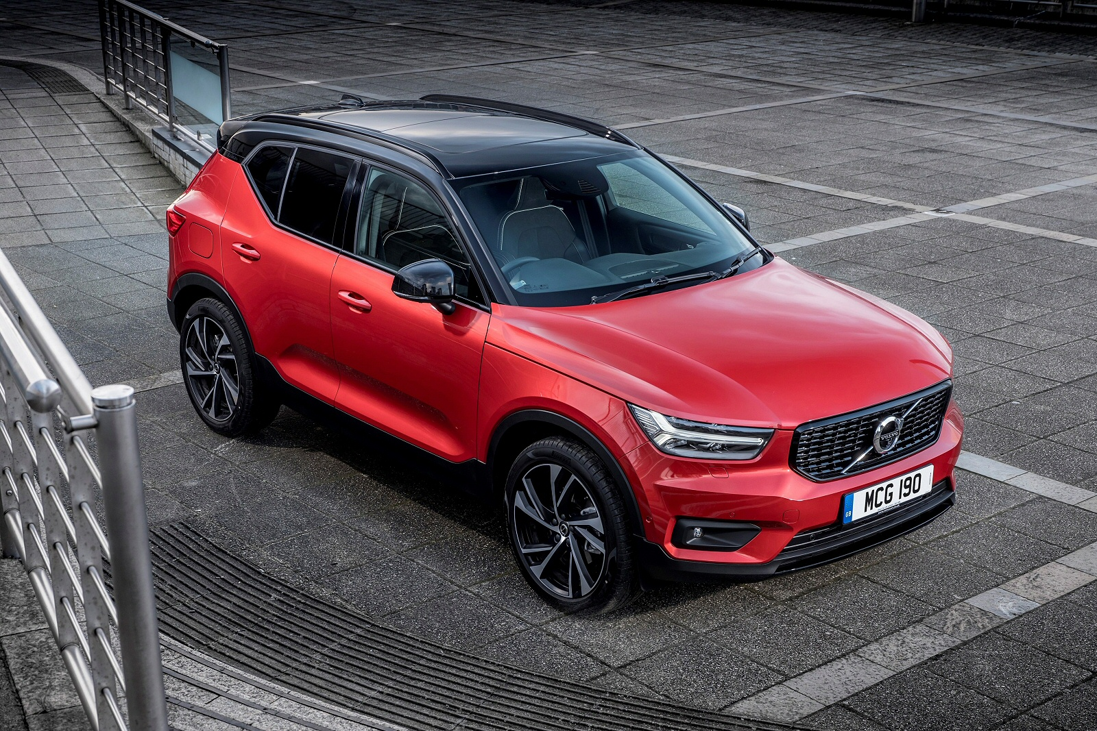 New Volvo Xc40 2 0 D3 Momentum Pro 5dr Diesel Estate For