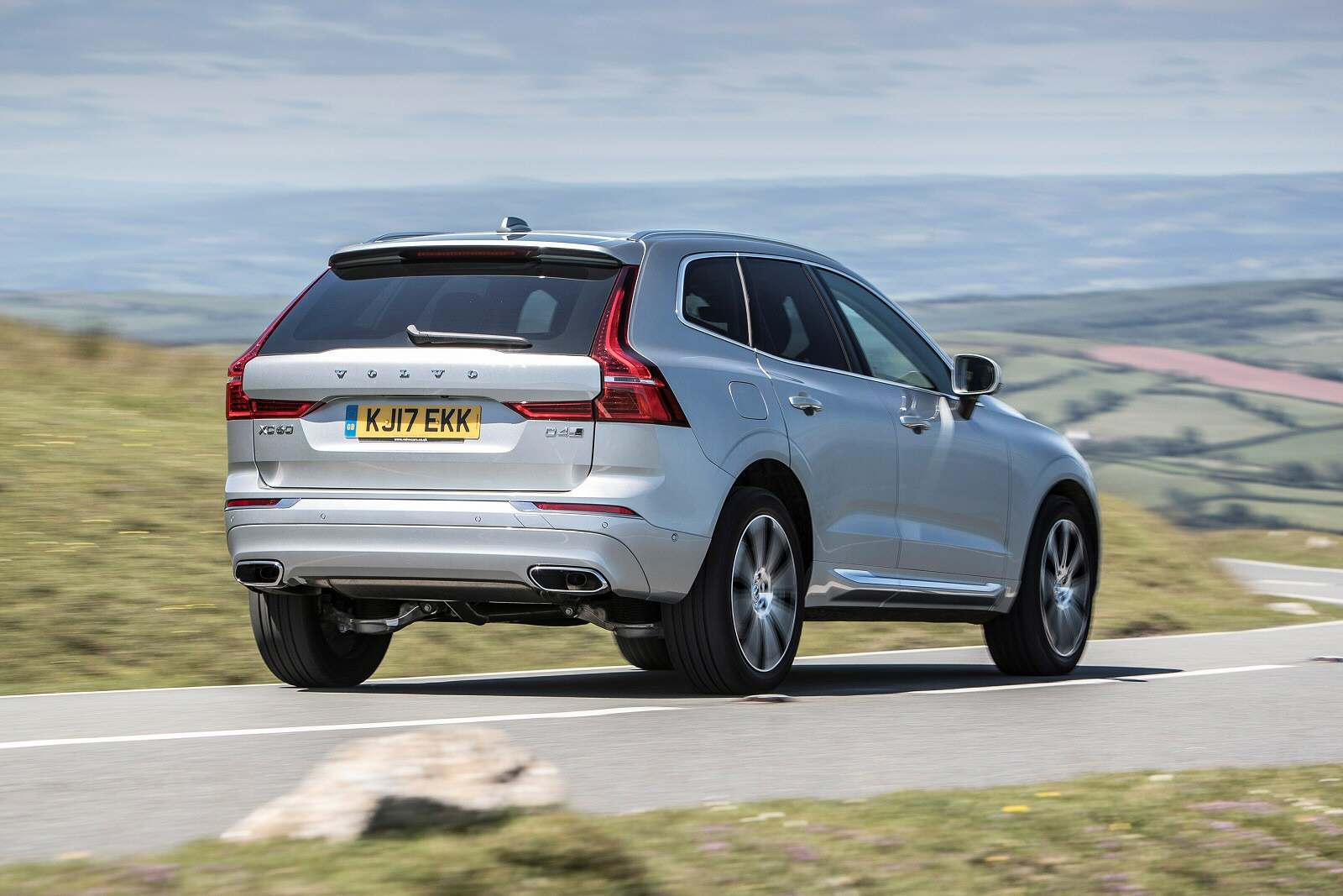 New Volvo Xc60 2 0 D4 Momentum 5dr Awd Geartronic Diesel Estate For Sale Bristol Street