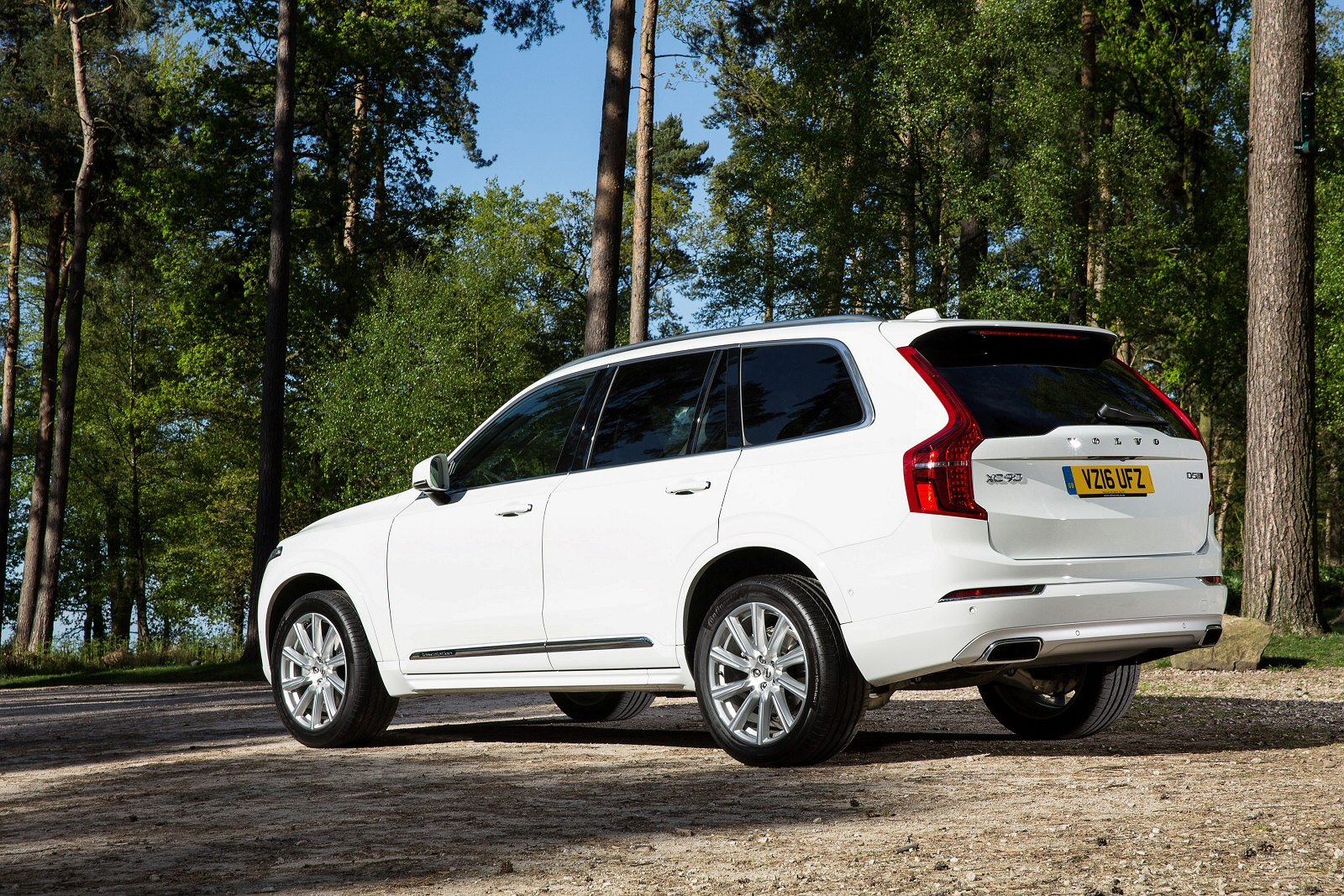 new volvo xc90 2 0 d5 powerpulse inscription 5dr awd. Black Bedroom Furniture Sets. Home Design Ideas