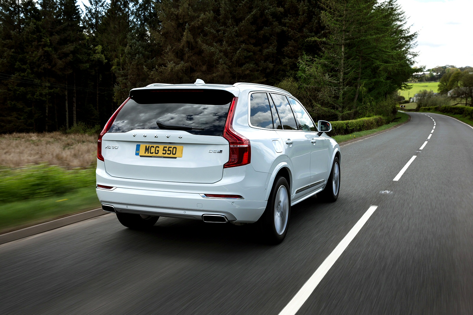 New Volvo Xc90 2.0 T5 [250] Momentum 5Dr Awd Gtron Petrol Estate for Sale | Bristol Street