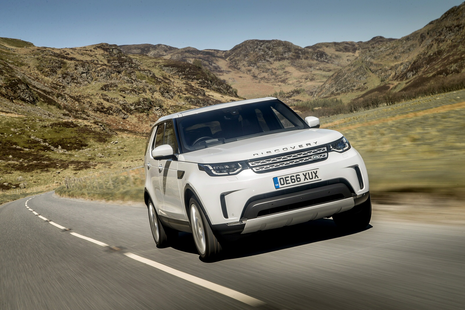 new land rover discovery sport 2 0 td4 hse 5dr 5 seat. Black Bedroom Furniture Sets. Home Design Ideas