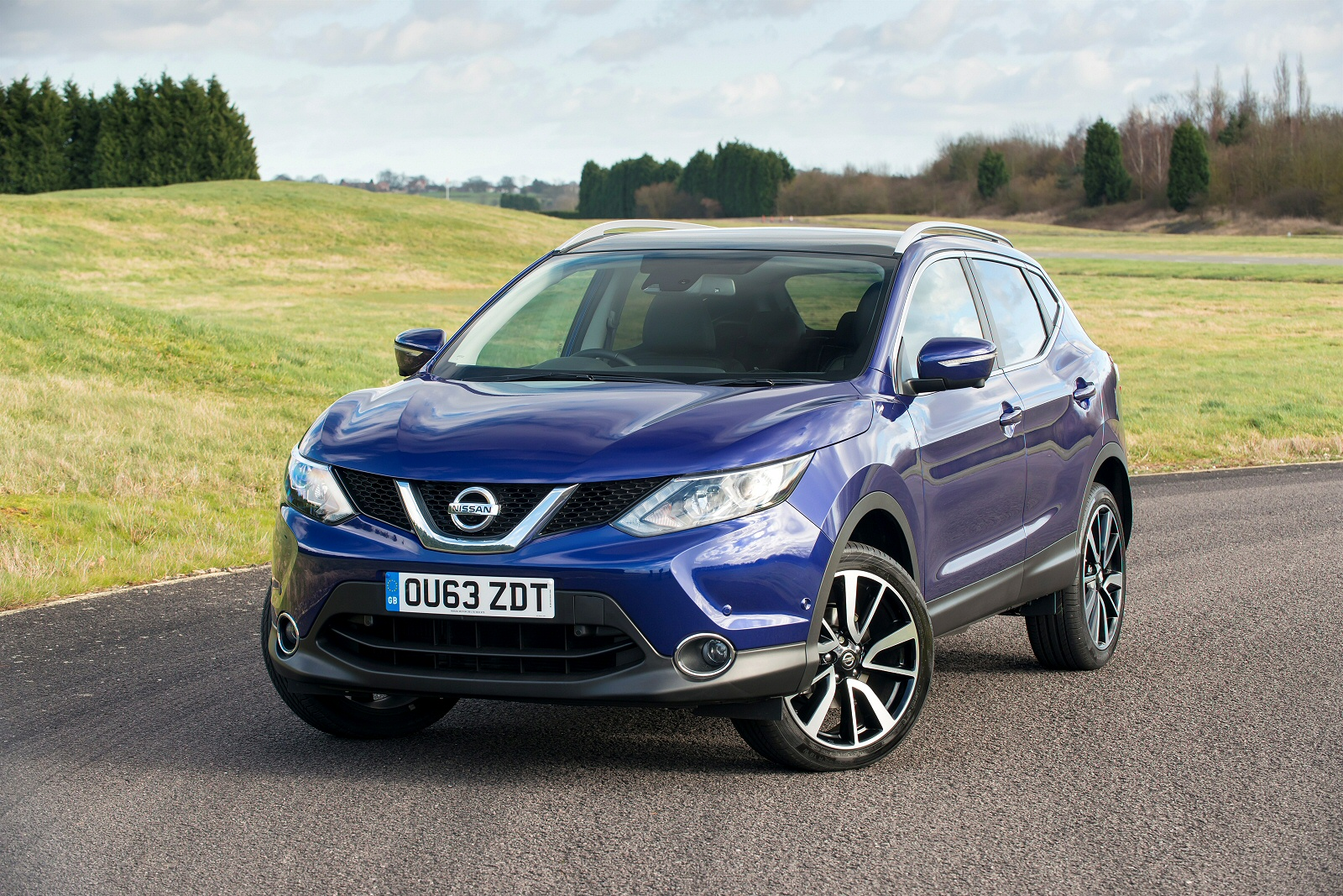 new nissan qashqai 1 5 dci n connecta comfort executive. Black Bedroom Furniture Sets. Home Design Ideas