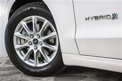 2.0 Hybrid Titanium Edition 4Dr Auto Hybrid Saloon