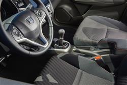 1.3 Se 5Dr Cvt Petrol Hatchback