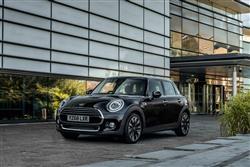 Car review: MINI 5-Door Hatch Cooper