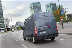 F33 L2 Diesel 2.3 dCi 130ps H2 SE Van